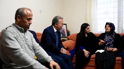 Bakan Sarıeroğlu, Afrin şehidi Ömer Bilal Akpınar'ın ailesini ziyaret etti - KARABÜK