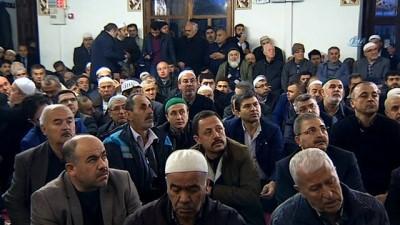 Diyanet İşleri Başkanı Erbaş, sabah namazında vatandaşlarla buluştu