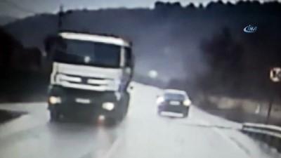 Otomobilin defalarca takla attığı kaza kamerada