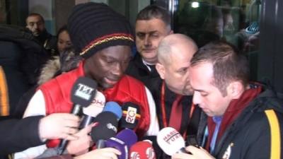 """Bafetimbi Gomis: """"Hastalık değil, sadece düşüp bayılıyorum"""""""