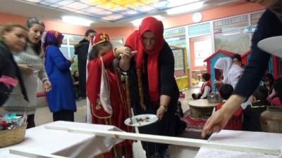 Minik öğrenciler okullarında Köme yaptılar, Mehmetçiğe gönderecekler