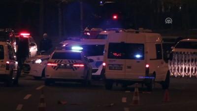 Cumhurbaşkanlığı Külliyesi önünde bariyerlere çarpan sürücü gözaltına alındı - ANKARA