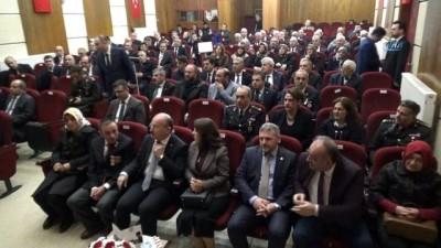 Afyon şehitlerinin ailelerine 'Devlet Övünç Madalyası ve Beratı' verildi