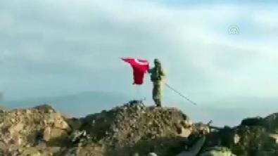 Zeytin Dalı Harekatı - Darmık Dağı'na Türk Bayrağı dikildi
