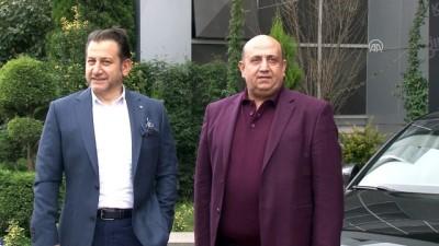 Otomobil talihlisine anahtarı Abdullah Avcı verdi - KOCAELİ