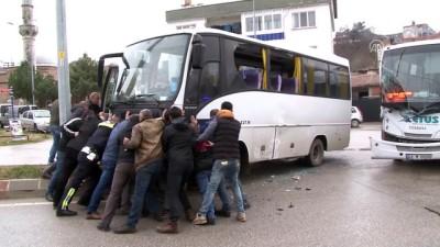 Servis aracıyla minibüs çarpıştı - EDİRNE