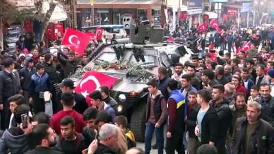Vatandaşlar, Afrin Bölgesine sevk edilen askerlere sevgi gösterisinde bulundu - ADIYAMAN