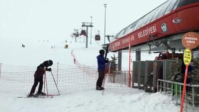 Kayak severlere müjde: Erciyes'te kar sezonu uzadı