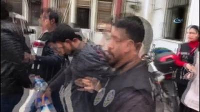 Sahte altınla vatandaşları dolandıran 3 kişi yakalandı