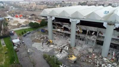 Zeytinburnu Belediyesi'nden Abdi İpekçi Spor Salonu'ndaki asbest iddialarına ilişkin duyuru
