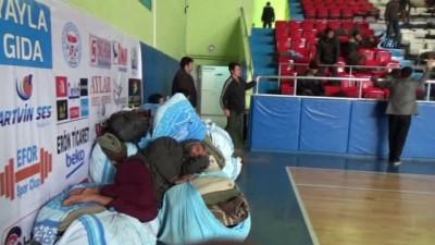 sehirlerarasi otobus -  Artvin'de bir kaçak göçmen vakası daha