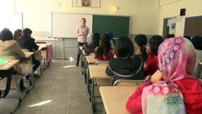 Çermikli kızlar okullaşmada erkekleri geçti - DİYARBAKIR