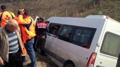 Minibüs devrildi: 9 yaralı- ZONGULDAK