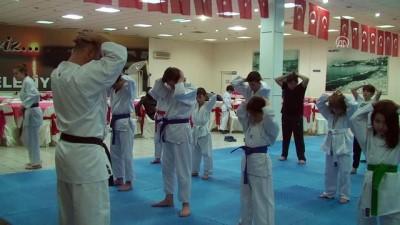 Minik karatecilerden Mehmetçik'e destek - ZONGULDAK