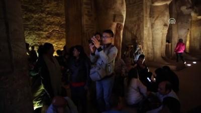 Mısır'da II. Ramses heykeline güneş vurdu - ASVAN
