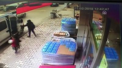 Otomobilin öğrenciye çarpması güvenlik kamerasında - KONYA