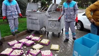 Çöpe atılan yumurtalardan çıkan civcivler kurtarılmaya çalışılıyor - MUĞLA