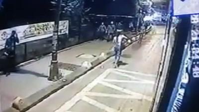 otobus kamerasi -  Kahraman şoför yolcunun çantasını hırsızlardan kurtardı