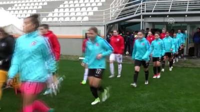 19 Yaş Altı Kadın Milli Futbol Takımı, Slovakya ile 2-2 berabere kaldı - ANTALYA