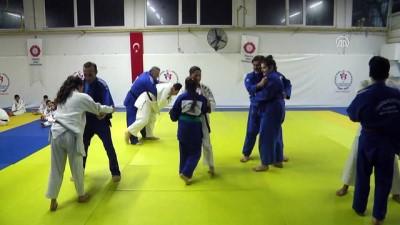 Emektar judocular çocukları için minderde - MANİSA