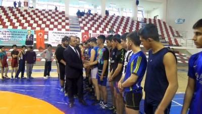 İran ve Ağrılı sporculardan Metmetçik'e anlamlı destek