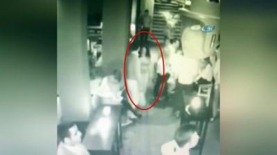 Ünlü gece kulübünün tuvaletindeki tecavüz girişimi skandalı kamerada