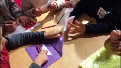 Çocuklardan Mehmetçiğe bin adet termal çorap