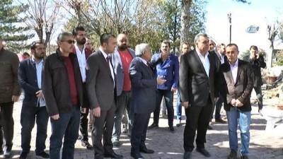 Uçhisar Belediye Başkanı Karaslan 'Yaşlı anne babalarına bakmayanlar ağaç sever oluyor'
