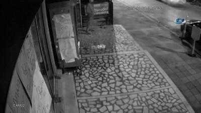 Acemi hırsız parke taşıyla kapıyı kıramayınca böyle kaçtı