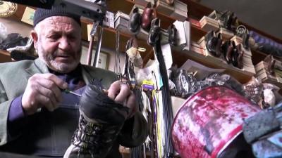 Baba yadigarı dükkanda 73 yıldır ayakkabı tamir ediyor - KAYSERİ