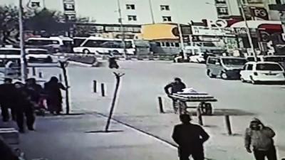 Motosiklet kazası güvenlik kamerasında - AĞRI