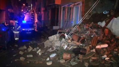 Şişli'de aşırı yağmur nedeniyle iki katlı bina çöktü