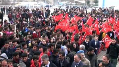 Vali Güzeloğlu, Lice'de eğitim öğretim açılışına katıldı