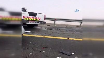 - Abu Dabi'de sisten onlarca araç birbirine girdi