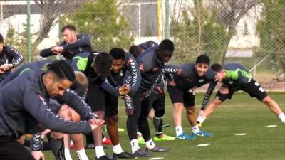 Atiker Konyaspor, Galatasaray maçı hazırlıklarına başladı - KONYA