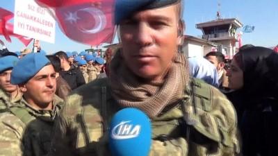 Siirtliler, Afrin'e giden askerler için havaalanına akın etti