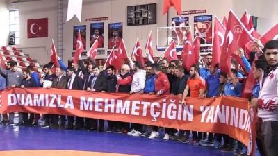 Özbek ve Türk güreşçilerden Mehmetçik'e destek - ANKARA