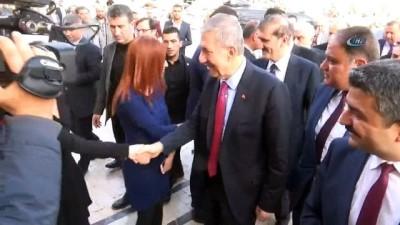 Sağlık Bakanı Ahmet Demircan, yaralı askerleri ziyaret etti