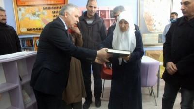 Şehit ailesini duygulandıran kütüphane açılışı