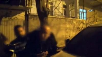 Doktorlar ve firarı imam, terörist başının videosunu izlerken yakalandı