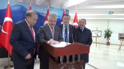 Bakan Ahmet Arslan, 'Her sene 50 kilometre uzunluğunda tünel bitiriyoruz'