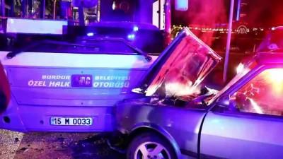 Halk otobüsüyle otomobil çarpıştı: 7 yaralı - BURDUR