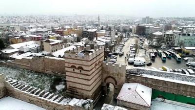 İstanbul'da kışın ilk karı havadan görüntülendi