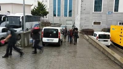 Samsun'da kaçak silah operasyonu zanlısı 7 kişi adliyede