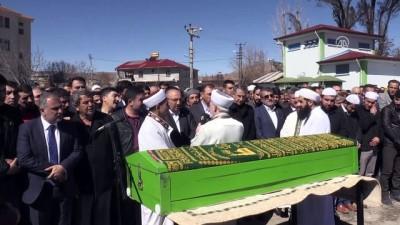 Çalışma ve Sosyal Güvenlik Bakanı Sarıeroğlu, Elazoğ'da