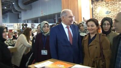 Necip Fazıl Kısakürek sergisi İBB Başkanı Mevlüt Uysal'ın katılımıyla açıldı