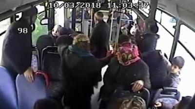 PTT personeli otobüste kalbine yenik düştü... Yaşananlar kameraya yansıdı