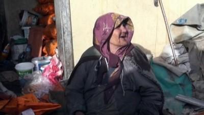 Yalnız yaşayan yaşlı kadın yangında hayatını kaybetti