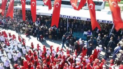 Bin 380 çocuk işaret diliyle İstiklal Marşı'nı okudu, o anlar havadan görüntülendi