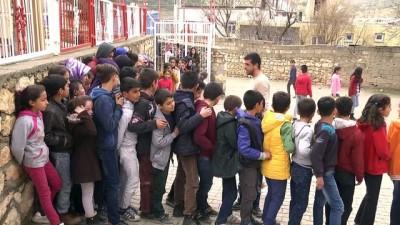 Diyarbakır'da belediyeden öğrencilere sıcak yemek - DİYARBAKIR